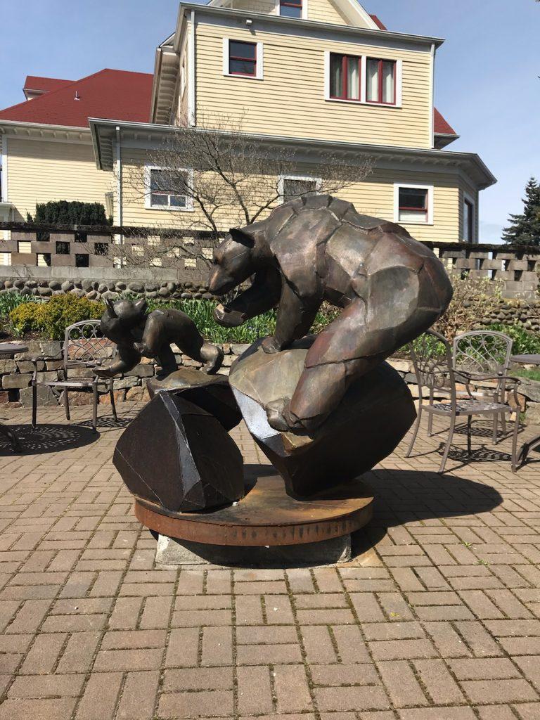 Bear statue - gardens