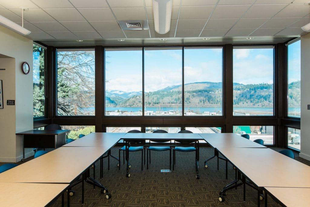 Hood River Library meeting room
