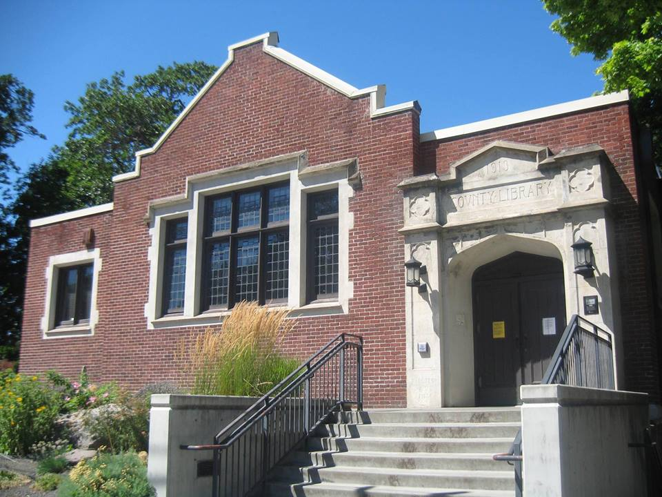 Hood River Library building